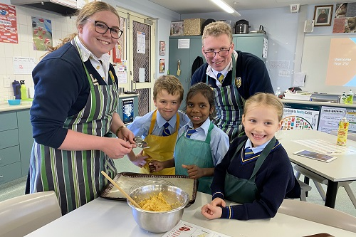 11 Yr 2G Cooking with Yr 12s 29 JPS